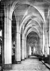 Eglise Saint-Nicolas-des-Champs - Vue intérieure du bas-côté sud, vers l'est