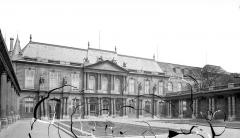 Anciens hôtels de Rohan et Soubise, actuellement Archives Nationales - Hôtel de Soubise. Cour d'honneur : Vue d'ensemble