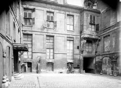 Hôtel de Lauzun ou Hôtel de Pimodan - Cour intérieure, côté sud