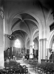 Eglise Saint-Germain-de-Charonne - Vue intérieure de la nef vers le choeur