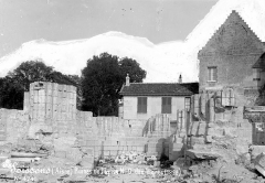 Ancienne abbaye Notre-Dame - Eglise (ruines) : Piliers du choeur