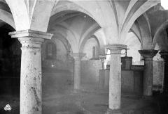 Hôpital Saint-Brice - Chapelle. Vue intérieure de la crypte