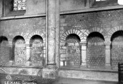 Cathédrale Saint-Julien - Vue intérieure du bas-côté nord : Arcades romanes