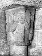 Abbaye de la Couture - Eglise : Chapiteau de la crypte