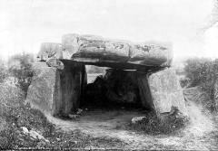 Dolmen dit La Pierre couverte - Entrée du dolmen