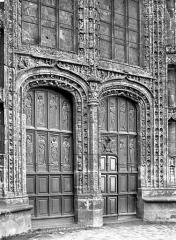 Eglise Saint-Armel - Portail de la façade nord