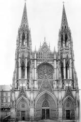 Eglise Saint-Ouen et Chambre des Clercs - Façade ouest