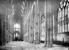 Eglise Saint-Ouen et Chambre des Clercs - Vue intérieure de la nef vers le sud-est
