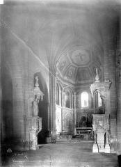 Eglise Saint-Pierre et Saint-Phébade - Vue intérieure de la nef vers le nord-est