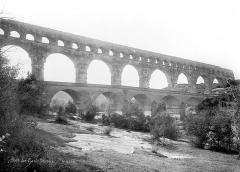 Pont du Gard et aqueduc romain de Nîmes - Ensemble nord