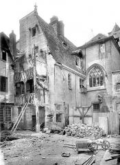 Hôtel Chambellan  dénommé également hôtel des ambassadeurs d'Angleterre - Vue d'ensemble sur cour