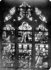Eglise Saint-Martin - Vitrail, baie 1 (ensemble) : Anne de Montmorency accompagné de ses fils. Saint Jean-Baptiste