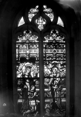Eglise Saint-Martin - Vitrail, baie 6 (ensemble) : Jean de Montmorency, fils de Guillaume de Montmorency et son saint patron. Vierge à l'Enfant.