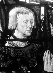 Eglise Saint-Martin - Vitrail, baie 7 (détail) : Buste de Guillaume de Montmorency, fondateur de l'église
