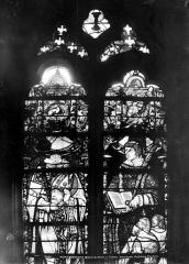 Eglise Saint-Martin - Vitrail, baie 8 (partie supérieure) : Saint Denis et saint Etienne