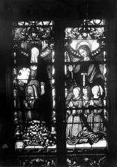 Eglise Saint-Martin - Vitrail, baie 9 (partie inférieure) : Anne Pot, épouse de Guillaume de Montmorency, accompagnée de ses filles (Louise, Marie et Anne) et de leur sainte patronne
