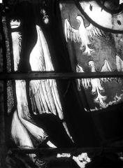 Eglise Saint-Martin - Vitrail, baie 11 (détail) : Vêtement de Louise de Montmorency