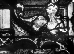 Eglise Saint-Martin - Vitrail, baie 11 (détail) : Elément décoratif