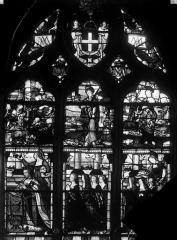Eglise Saint-Martin - Vitrail, baie 14 (ensemble) : Madeleine de Savoie, épouse d'Anne de Montmorency, accompagnée de ses filles