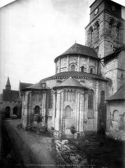 Ancienne abbaye royale de Fontevraud, actuellement centre culturel de l'Ouest - Eglise : Abside, côté nord-est