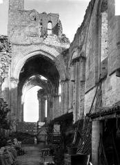 Eglise Saint-Denis (ruines) - Nef