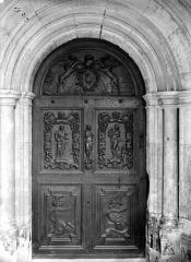 Château - Chapelle, porte