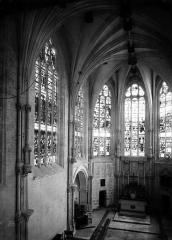 Château - Chapelle, intérieur vers le choeur
