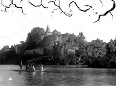 Eglise et son cloître - Vue générale sur la Dordogne