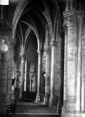 Eglise Notre-Dame-en-Vaux et son cloître - Détails d'architecture
