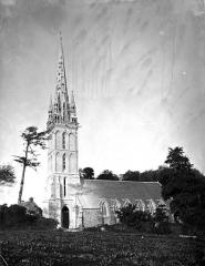 Eglise Notre-Dame-de-Quelven et abords - Vitrail du choeur