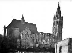 Eglise abbatiale Saint-Pierre-Saint-Paul - Côté nord