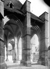 Eglise Notre-Dame et son presbytère - Porche