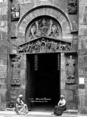Eglise Notre-Dame-du-Port - Petite porte