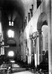 Eglise Notre-Dame-du-Port - Nef, vue du choeur