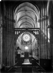 Eglise Notre-Dame de l'Assomption - Nef, vue du choeur