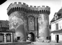 Vestiges de la porte Guillaume -