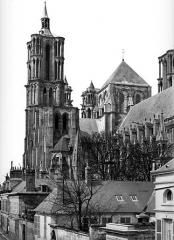 Ancienne cathédrale, actuellement église Notre-Dame, et cloître - Clocher