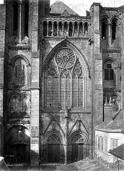 Ancienne cathédrale, actuellement église Notre-Dame, et cloître - Grande verrière, côté sud