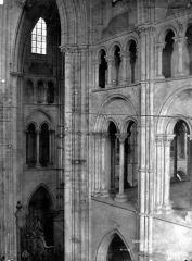 Ancienne cathédrale, actuellement église Notre-Dame, et cloître - Triforium, intérieur