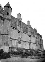 Château et son enceinte - Logis Royal, côté est : Aile Louis XII