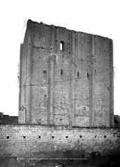 Château et son enceinte - Vieux Château : Grand donjon, côté sud
