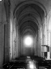 Eglise Notre-Dame-et-Saint-Junien - Nef, vue du choeur