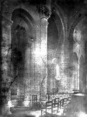 Eglise Saint-Hilaire - Travée de la nef