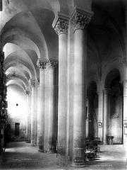 Eglise abbatiale Saint-Pierre - Bas-côté