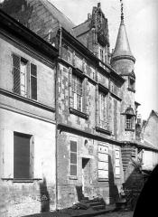 Ancienne cathédrale (église Notre-Dame) et ses annexes - Evêché