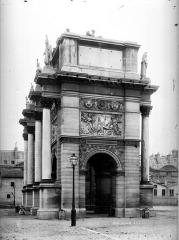 Palais du Louvre et jardin des Tuileries -