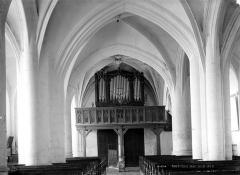 Eglise - Nef, vue du choeur