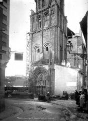 Eglise Sainte-Radegonde - Base du clocher