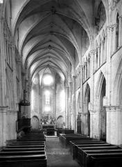 Eglise Saint-Eliphe - Nef, vue de l'entrée