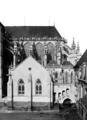 Cathédrale Saint-Pierre Saint-Paul - Abside, côté sud